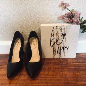 Basic Black Heels NWOT